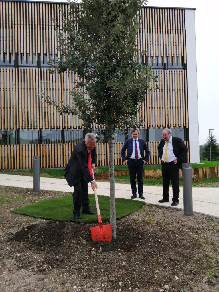 Inauguration extension SMD3 avec Francis Colbac et François Roussel
